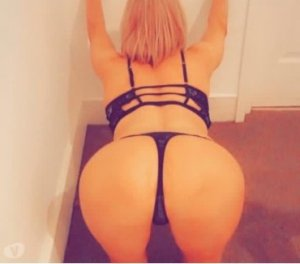 Lulla milf call girl in Des Moines