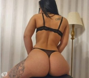 Djulia hot escorts in Alloa, UK