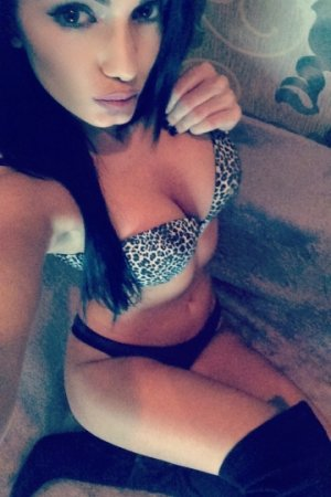Hajiba mature escorts in Thornaby-on-Tees, UK